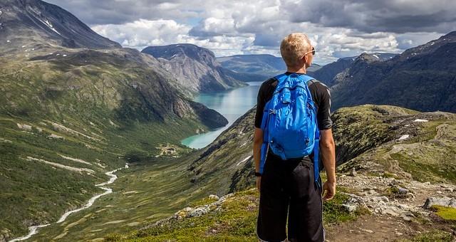 3 destinations pour des vacances en solitaire
