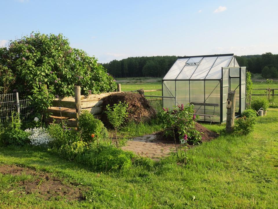 Installer une serre dans son jardin - Domotiki.fr