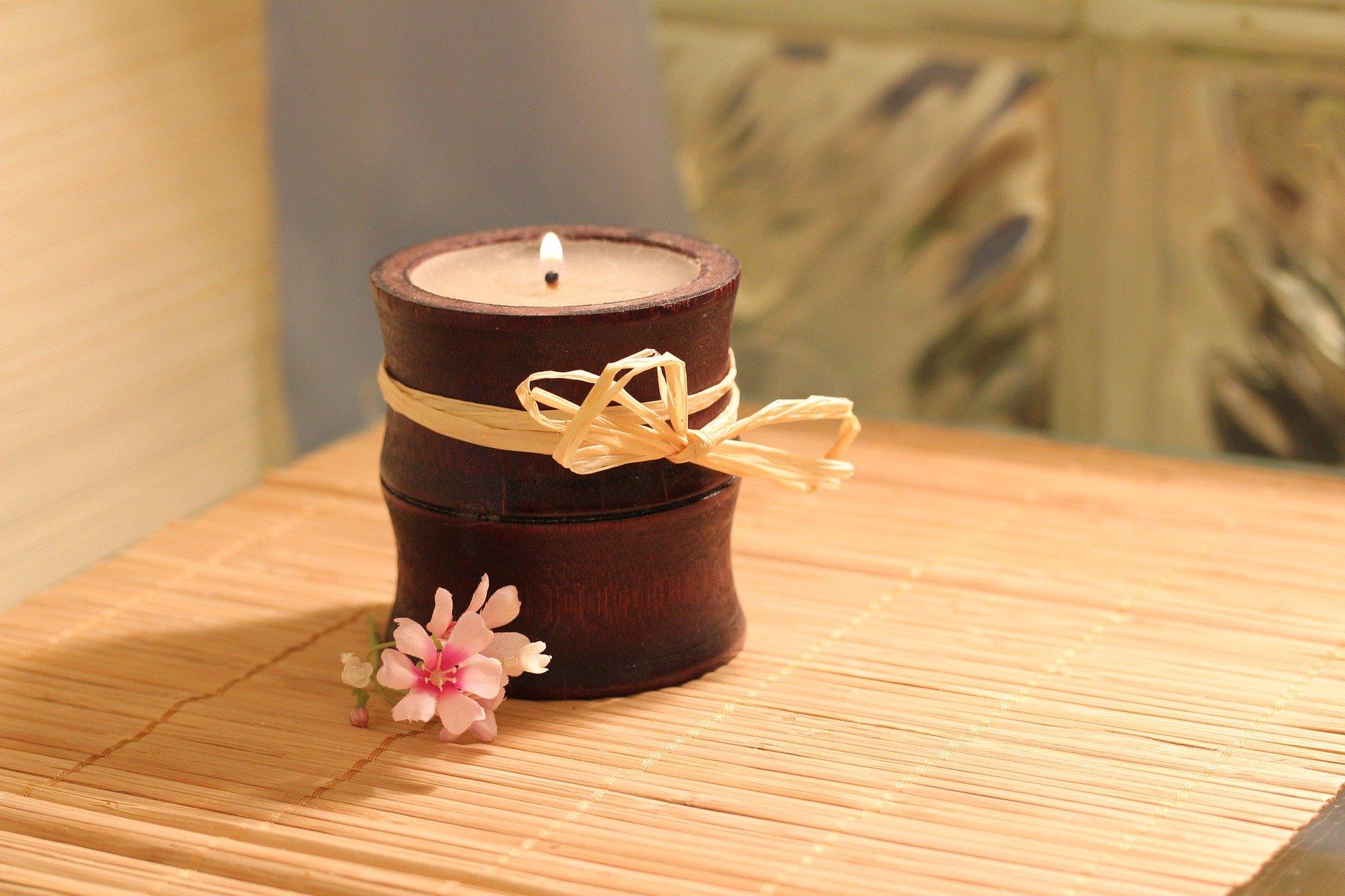 Bougies aux huiles essentielles, à la fois décoratives et parfumées