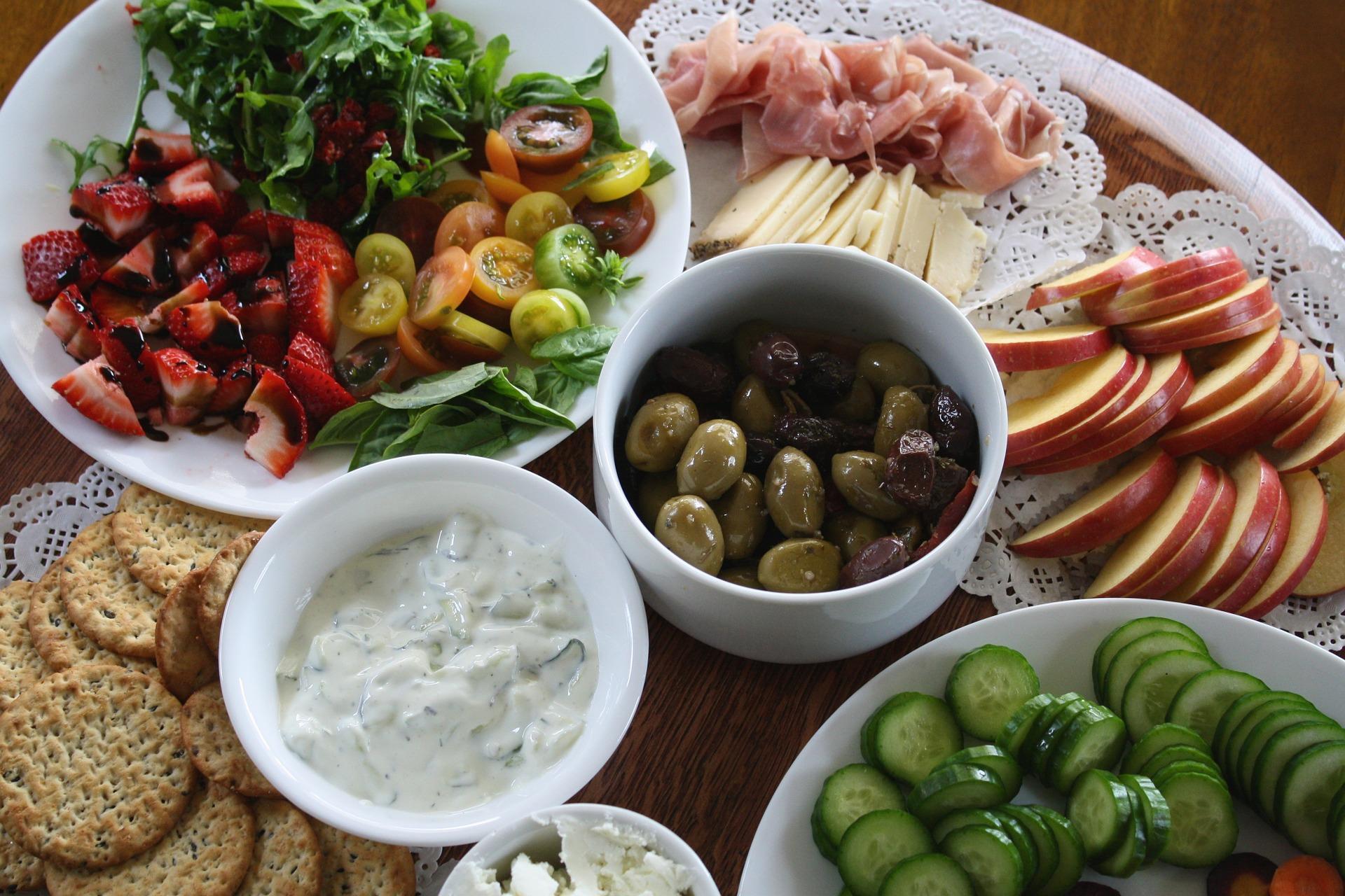 Comment préparer un apéro gourmand et peu cher ?