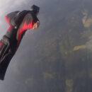 Amateurs de sensation forte : testez le wingsuit !